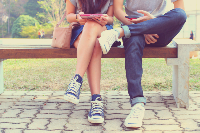 how social media affects relationships