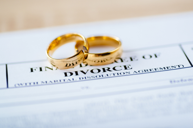 Navigating Divorce: Resources, Help, and Advice